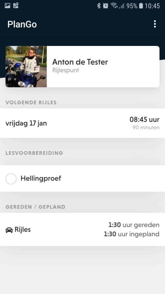 Het dashboard van de Rijlespunt app van PlanGo biedt onder andere een overzicht van je lessen en huiswerk.